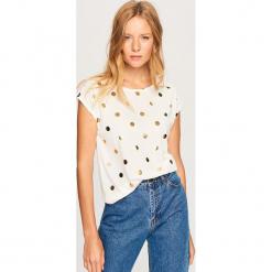 T-shirt we wzory - Kremowy. Białe t-shirty damskie marki Reserved, l, z dzianiny. Za 39,99 zł.