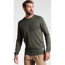 Swetry klasyczne męskie: Lindbergh Sweter green melange