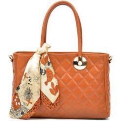 Torebki i plecaki damskie: Skórzana torebka w kolorze jasnobrązowym – (S)23 x (W)32 x (G)12,5 cm