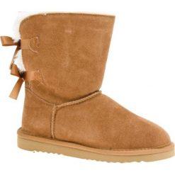Skórzane botki w kolorze jasnobrązowym. Brązowe buty zimowe damskie Carla Samuel, na zimę. W wyprzedaży za 219,95 zł.