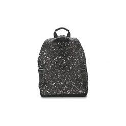 Plecaki Mi Pac  PREMIUM SPLATTERED. Czarne plecaki męskie Mi-Pac. Za 153,30 zł.
