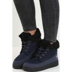 Granatowe Śniegowce Seek Peace. Czarne buty zimowe damskie marki Born2be, z okrągłym noskiem, na platformie. Za 69,99 zł.