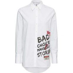 Długa  bluzka bonprix biały. Białe bluzki asymetryczne bonprix, z nadrukiem, z długim rękawem. Za 129,99 zł.