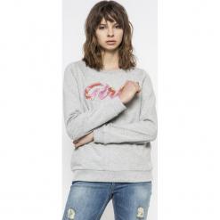 Vero Moda - Bluza Girls. Szare bluzy z nadrukiem damskie Vero Moda, l, z bawełny, bez kaptura. W wyprzedaży za 49,90 zł.