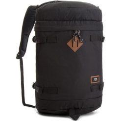 Plecak VANS - Clamber Backpack VN0A2ZXW9RJ True Black. Szare plecaki męskie marki Vans, z gumy, na sznurówki. W wyprzedaży za 159,00 zł.