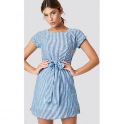 MANGO Sukienka Bombay - Blue. Szare sukienki mini marki Mango, na co dzień, l, z tkaniny, casualowe, z dekoltem halter, na ramiączkach, rozkloszowane. Za 141,95 zł.