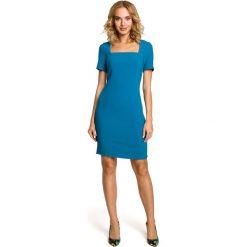 VALERIA Ołówkowa sukienka przed kolano - turkusowa. Niebieskie sukienki mini marki Moe, z dekoltem karo, z krótkim rękawem, dopasowane. Za 159,90 zł.