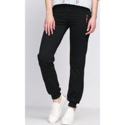 Spodnie damskie: Czarne Spodnie Dresowe Being Born