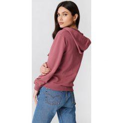 NA-KD Basic Bluza basic z kapturem - Pink. Różowe bluzy rozpinane damskie marki NA-KD Basic, prążkowane. Za 100,95 zł.