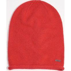 Czapka - Czerwony. Czerwone czapki zimowe damskie marki Mohito. Za 29,99 zł.