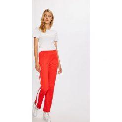 Calvin Klein Jeans - Spodnie. Szare proste jeansy damskie marki Calvin Klein Jeans, z podwyższonym stanem. W wyprzedaży za 399,90 zł.