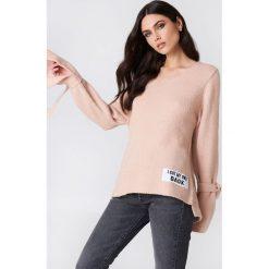 Rut&Circle Sweter dzianinowy Winnie - Pink. Szare swetry klasyczne damskie marki Vila, l, z dzianiny, z okrągłym kołnierzem. Za 121,95 zł.