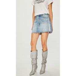 Levi's - Spódnica. Brązowe spódniczki Levi's®, s, z bawełny, mini, proste. Za 239,90 zł.
