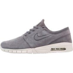 Nike SB STEFAN JANOSKI MAX Tenisówki i Trampki dark grey/light bone/summit white/anthracite. Szare trampki męskie Nike SB, z materiału. W wyprzedaży za 369,85 zł.