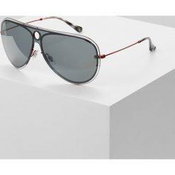 RayBan Okulary przeciwsłoneczne red/silvercolured/grey mirror. Czerwone okulary przeciwsłoneczne męskie wayfarery marki Boss, z tworzywa sztucznego. Za 769,00 zł.