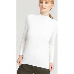 Biały Sweter Gind. Białe swetry klasyczne damskie marki other, na jesień, l. Za 59,99 zł.