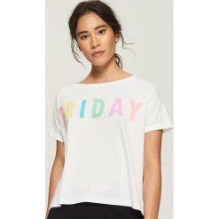 Dwuczęściowa piżama z nadrukiem - Biały. Szare piżamy damskie marki Sinsay, l, z motywem z bajki. Za 39,99 zł.