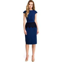 ISABEL Sukienka ołówkowa z marszczeniem przy pasku i koronką - granatowa. Niebieskie sukienki hiszpanki Stylove, s, w koronkowe wzory, z koronki, dopasowane. Za 169,90 zł.