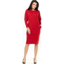 Czerwona Sukienka do Kolan z Nietoperzowymi Rękawami. Różowe sukienki na komunię marki numoco, l, z dekoltem w łódkę, oversize. Za 139,90 zł.