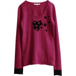 Sweter kaszmirowy w kolorze różowym. Czerwone swetry klasyczne damskie marki Ateliers de la Maille, z kaszmiru, z okrągłym kołnierzem. W wyprzedaży za 409,95 zł.