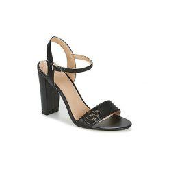 Sandały Guess  AMIYAH. Czarne sandały damskie marki Guess, z aplikacjami. Za 412,30 zł.