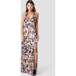 Trendyol Sukienka maxi w kwiaty - Brown. Szare długie sukienki marki Trendyol, na co dzień, z elastanu, casualowe, dopasowane. Za 181,95 zł.