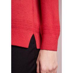 Swetry klasyczne damskie: BOSS CASUAL INANNAY Sweter medium red