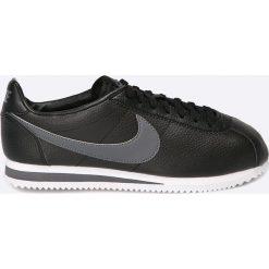 Nike Sportswear - Buty Classic Cortez Leather. Czarne buty skate męskie Nike Sportswear, z materiału. W wyprzedaży za 349,90 zł.
