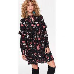 Sukienki: SUKIENKA Z FALBANAMI W KWIATOWY DESEŃ