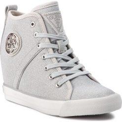 Sneakersy GUESS - FLJLY3 FAM12  SILVE. Szare sneakersy damskie Guess, z materiału. Za 529,00 zł.