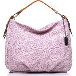 Torebki klasyczne damskie: Skórzana torebka w kolorze jasnoróżowym – 35 x 30 x 15 cm