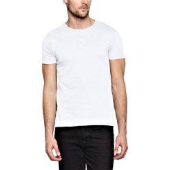 T-shirty męskie: T-shirt w kolorze białym