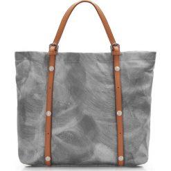 Torebka damska 86-4E-009-1. Szare torebki klasyczne damskie Wittchen, w paski, duże, zdobione. Za 439,00 zł.