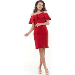 Czerwona Wizytowa Sukienka Carmen z Falbanką. Czerwone sukienki koktajlowe marki Mohito, l, z materiału, z falbankami. Za 119,90 zł.