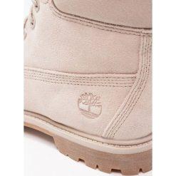 Timberland 6IN PREMIUM WP Botki sznurowane simply taupe. Szare buty zimowe damskie marki Timberland, z materiału, na sznurówki. W wyprzedaży za 531,30 zł.