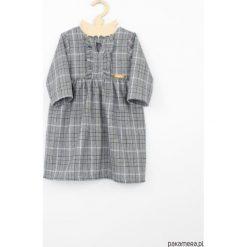 Sukienka w kratke. Szare sukienki dziewczęce z falbanami Pakamera, z tkaniny, eleganckie, z długim rękawem, długie. Za 119,00 zł.