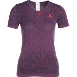 ODLO CREW NECK BLACKCOMB      Tshirt z nadrukiem energy blue/fiery red. Niebieskie t-shirty damskie Odlo, xs, z nadrukiem, z poliesteru. W wyprzedaży za 167,20 zł.