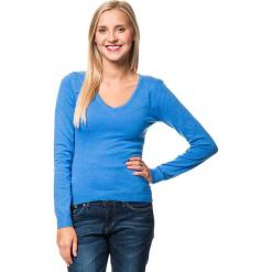 Sweter w kolorze niebieskim. Niebieskie swetry klasyczne damskie marki William de Faye, z kaszmiru. W wyprzedaży za 136,95 zł.