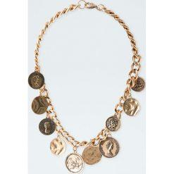 Naszyjnik z monetami. Żółte naszyjniki damskie Pull&Bear. Za 39,90 zł.