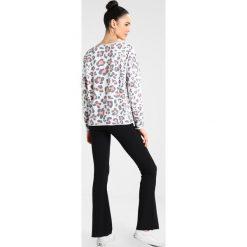 Bluzy damskie: Juvia LEOPARD  Bluza neon peach