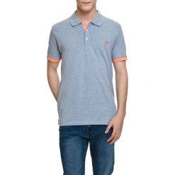 Koszulka polo w kolorze jasnoniebeiskim. Niebieskie koszulki polo Camel Active, Varsity, l. W wyprzedaży za 72,95 zł.