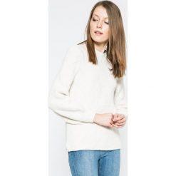 Only - Sweter Luv. Szare swetry klasyczne damskie ONLY, l, z dzianiny, z okrągłym kołnierzem. W wyprzedaży za 79,90 zł.