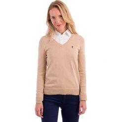 Swetry klasyczne damskie: Sweter w kolorze cielistym
