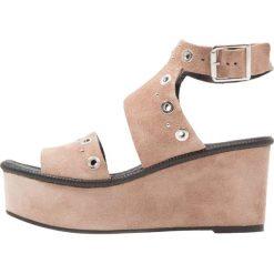 Rzymianki damskie: Topshop WIZZ STUDDED Sandały na platformie taupe/beige