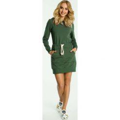 Zielona Sukienka Sportowa Mini z Kapturem. Czarne sukienki dresowe marki Molly.pl, na co dzień, uniwersalny, sportowe, z kapturem, proste. Za 132,90 zł.