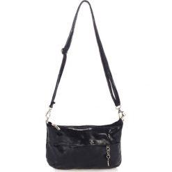Torebki klasyczne damskie: Skórzana torebka w kolorze czarnym – 25 x 16 x 5 cm