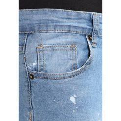 Liquor N Poker SPLATTER Jeansy Slim Fit mid indigo. Niebieskie rurki męskie Liquor N Poker. W wyprzedaży za 135,20 zł.