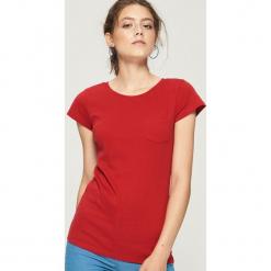 Bawełniany t-shirt basic - Czerwony. Czerwone t-shirty damskie marki Sinsay, l, z bawełny. Za 14,99 zł.