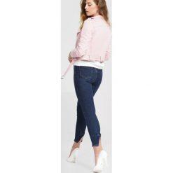 Granatowe Jeansy Who I Really Am. Niebieskie jeansy damskie marki other. Za 89,99 zł.