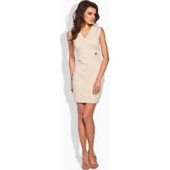 Sukienki: Beżowa Sukienka z Kopertową Górą
